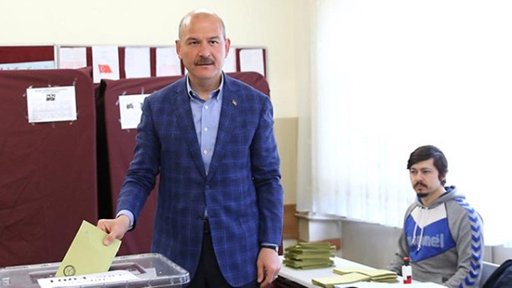 İçişleri Bakanı Süleyman Soylu ve eşi oyunu kullandı