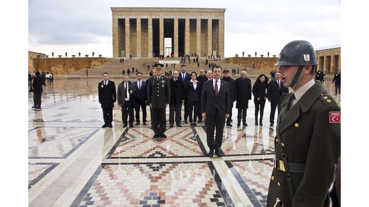 CHP'li Ekrem İmamoğlu Anıtkabir'i ziyaret etti