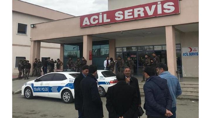 Iğdır'da muhtarlık seçimleri nedeniyle çıkan silahlı kavgada 1'i ağır 4 kişi yaralandı