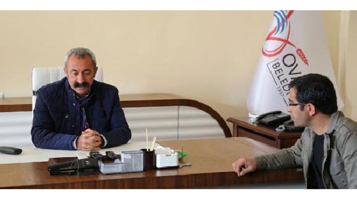 TKP'li Fatih Mehmet Maçoğlu, Ovacık'ta görevini CHP'li  Mustafa Sarıgül'e devretti