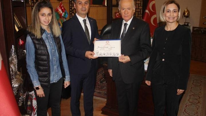 Mazbatasını alan başkan Gölbaşı Belediye Başkanı Ramazan Şimşek  MHP lideri Devlet Bahçeli'yi ziyaret etti