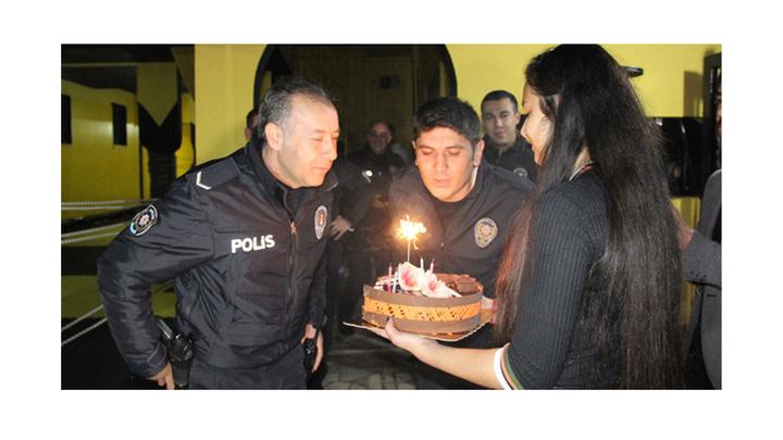 Karaman'da kavga ihbarı üzerine giden polislere sürpriz kutlama