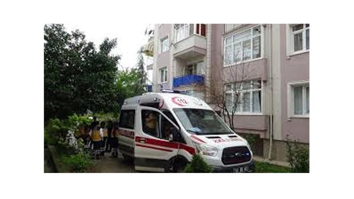 Kocaeli'de yatağında ölü bulunan yaşlı kadın, sağlık ve polis ekiplerini harekete geçirdi