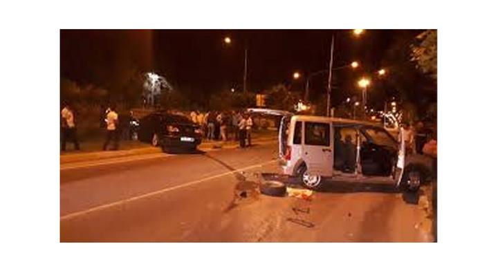 Bursa'da otomobilin lastiğini değiştiren kişiye başka bir araç çarptı