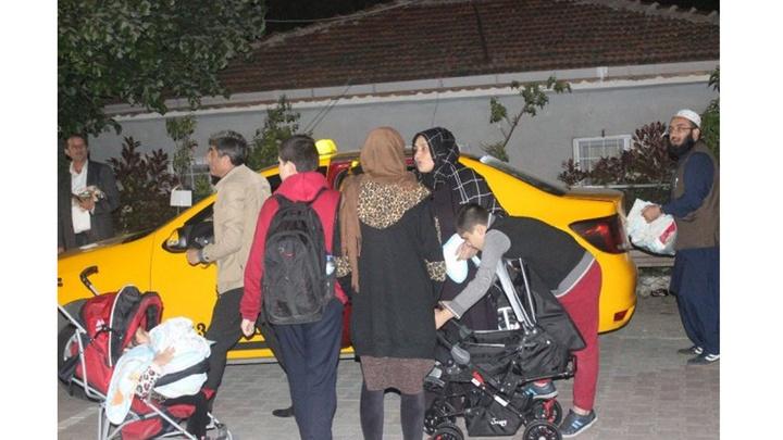 Esenyurt'ta tahliye edilen vatandaşlar belediye tarafından pansiyonlara yerleştirildi