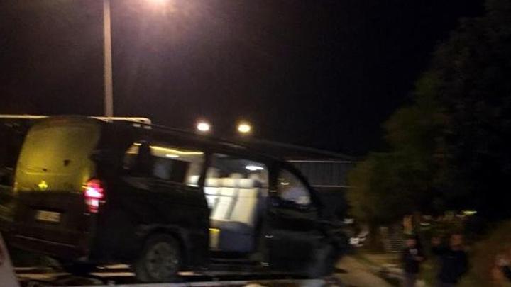 Aytemiz Alanyasporlu futbolcuları taşıyan minibüs Alanya'ya dönerken kaza yaptı: 1'i ağır 3 futbolcu yaralı