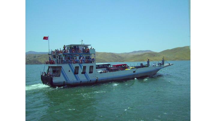 Elazığ-Pertek feribot sefer saatleri düzenlendi
