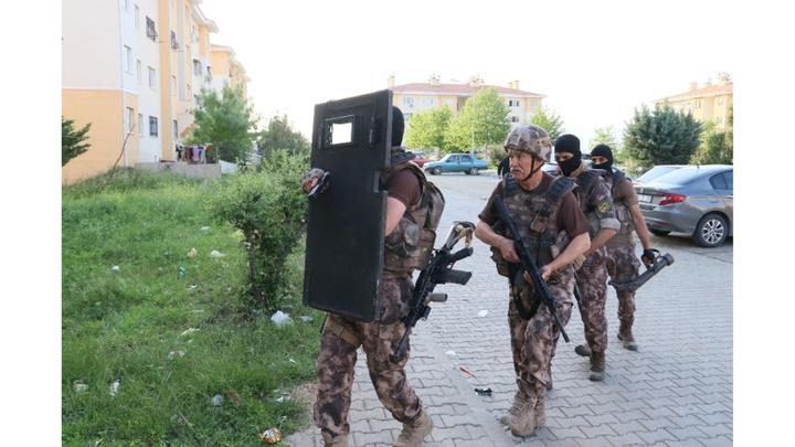 Adana'da 26 adrese PKK propagandasına şafak operasyonu: 24 gözaltı