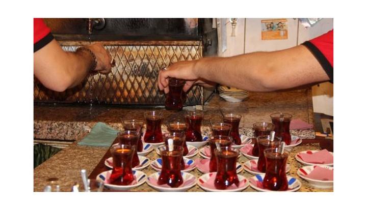 Prof. Dr. Bingür Sönmez: Çayı iftarda çok, sahurda az için