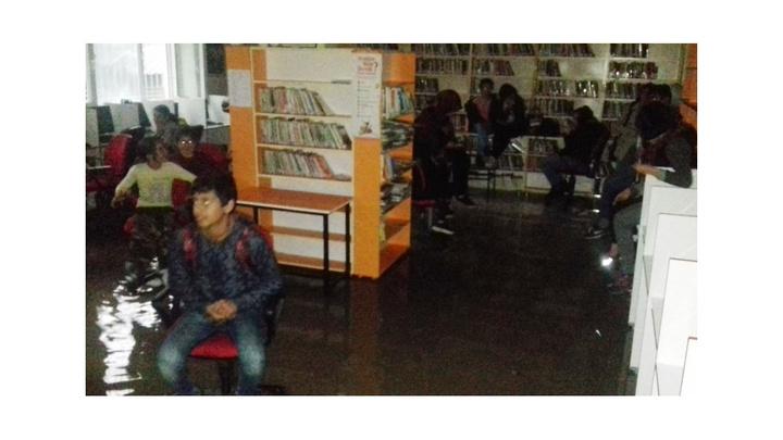 Ergani'de kütüphaneyi su bastı, çocuklar kütüphanede mahsur kaldı