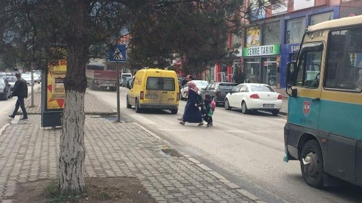 Karabük'te polis ekipleri yayalara öncelik vermeyen sürücülere ceza yağdırdı