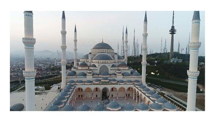 Cuma namazının ardından Büyük Çamlıca Camii'nin resmi açılışı yapılıyor