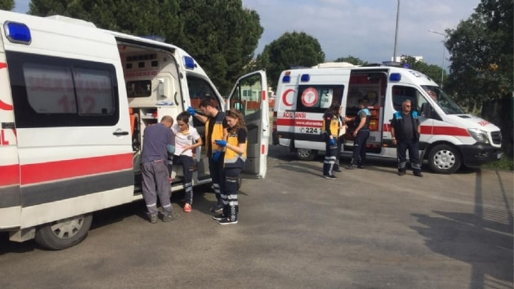 Bursa'da bir fabrikanın boyahanesinde meydana gelen patlamada 11 kişi yaralandı