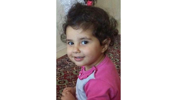İzmit'te 3 yaşındaki çocuk balkondan düşerek hayatını kaybetti