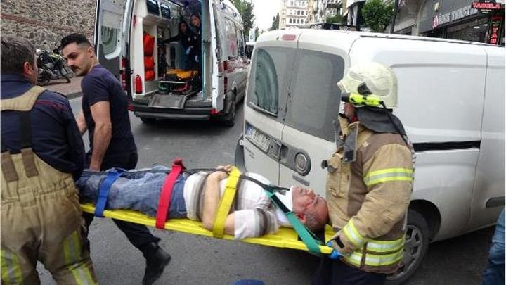 Şişli'de başı asansöre sıkışan işçinin yardımına itfaiye yetişti