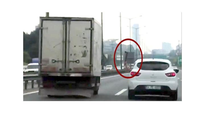 Kamyonet sürücüsüne baltayla saldırmaya çalışan sürücü tutuklandı