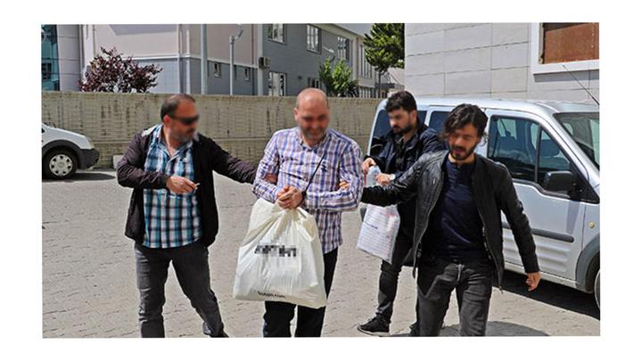 Samsun'da FETÖ şüphelisi  PTT eski müdürü evinin gizli bölmesinden kaçmaya çalışırken yakalandı