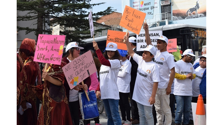 Çorum'da Engelliler Haftası dolayısı ile  Farkındalık Yürüyüşü yapıldı