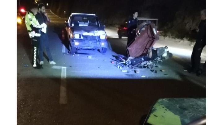Manisa'da motosiklet ile kamyon kafa kafaya çarpıştı: 2 ölü