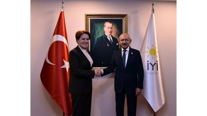 CHP Genel Başkanı Kemal Kılıçdaroğlu, Meral Akşener'i ziyaret etti