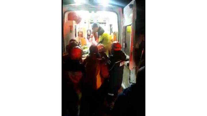Kaçkar Dağları'nda  düşen dağcı, 12 saat sonra hastaneye ulaştırıldı