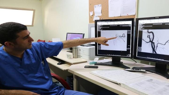 Kapalı sistem beyin ameliyatı ile 68 yaşındaki Mehmet Gölbaşı tekrar yürümeyi başardı