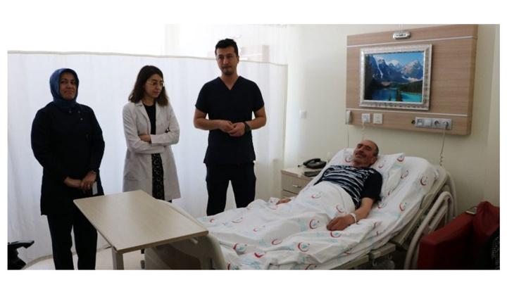 Üroloji Uzmanı Op. Dr. Güven Erbay, Niğde'de ilk defa prostat kanseri ameliyatını gerçekleştirdi
