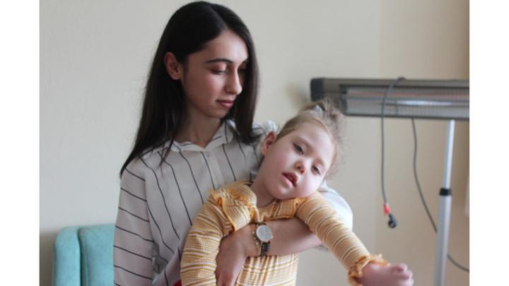 Kastamonu'da yaşayan 4 yaşındaki ikizlerin hastalığına teşhis konulamadı
