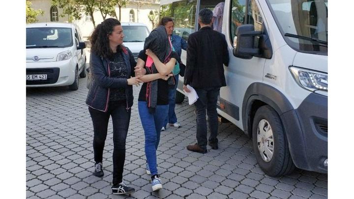 Samsun'da hırsızlık suçundan aranan anne ve kızı tutuklandı