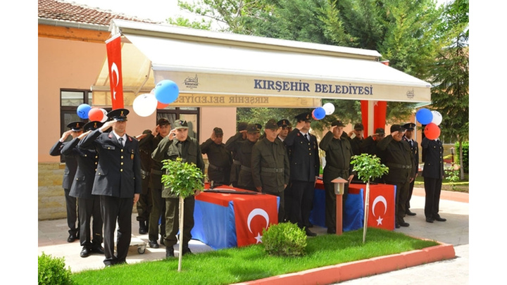 Kırşehir'de 12 engelli vatandaş bir günlüğüne asker oldu