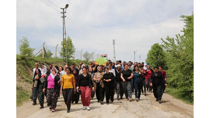 Tunceli'de koyunlarını otlatmaya giden kadın arazide ölü bulundu