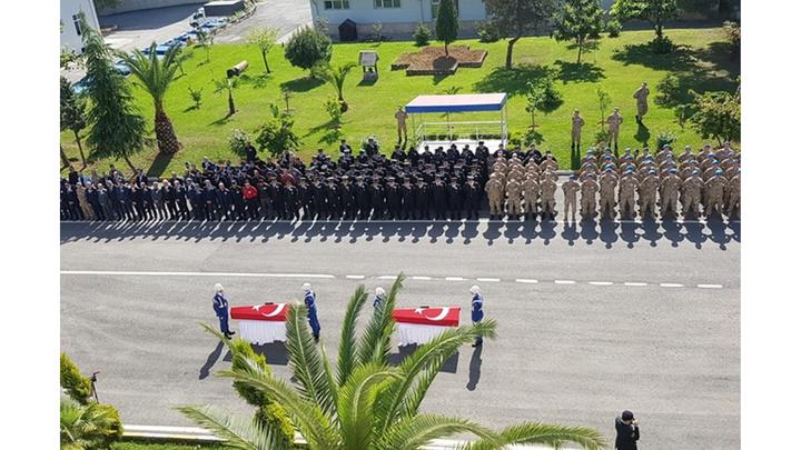 Kayıp gazeteciyi arama çalışmalarında suya kapılarak şehit olan askerler için Trabzon'da tören düzenlendi