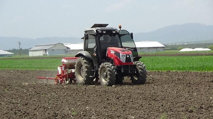 Muş'ta yoğun yağışlar nedeniyle çiftçiler mahsullerini bir ay geç ekti