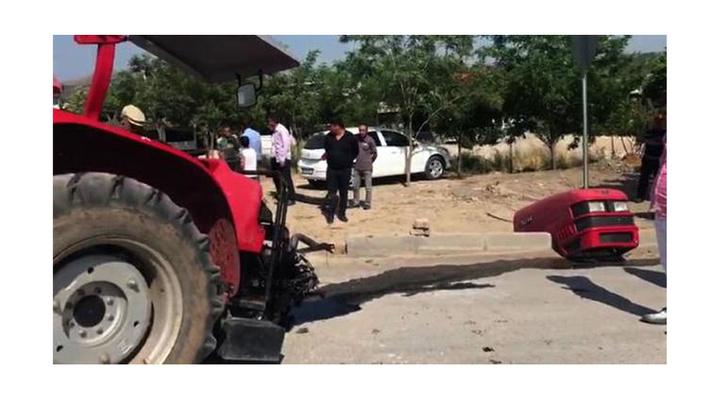 Nurdağı'nda, TIR ile çarpışan traktör ikiye ayrıldı