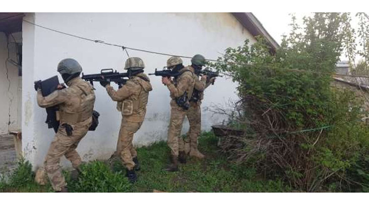 Van'da düzenlenen PKK operasyonunda 18 şüpheli gözaltına alındı