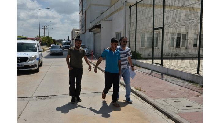 Adana'da uyuşturucu satıcılarına operasyon: 15 gözaltı
