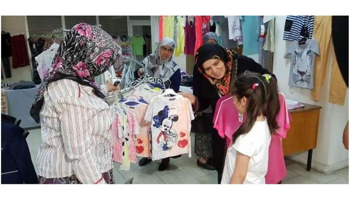 Buharkent 'Hayır Pazarı' Ramazanda da ihtiyaç Sahiplerini Sevindiriyor