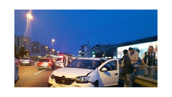 İranlı sürücüden yarım saat arayla iki kaza