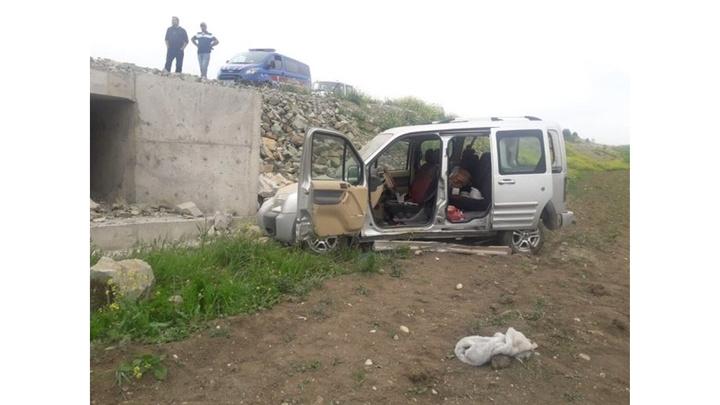 Bilecik'te kazada ağır yaralanan ve iç  kanaması durdurulamayan sürücü hayatını kaybetti
