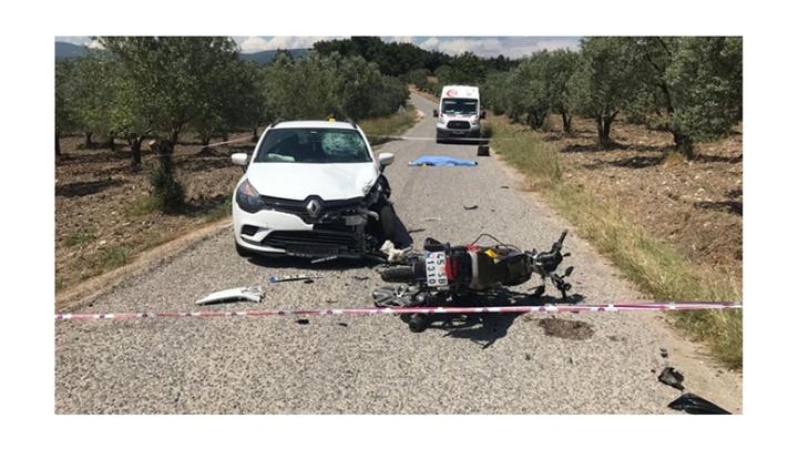 Akhisar'da otomobille motosikletin çarpıştığı kazada 1 kişi öldü
