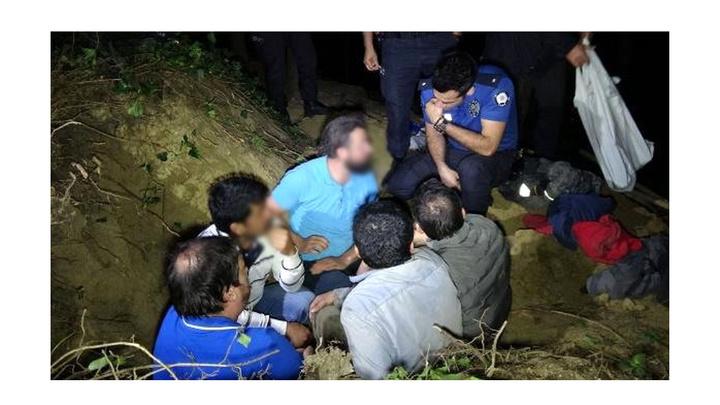 Bursa'da kaçak kazı yapan 5 kişiyi polis suçüstü yakaladı