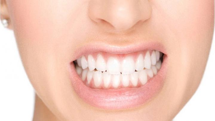 Estetik Diş Hekimi Dr. Efe Kaya: Diş sıkmak diş yapısını bozuyor