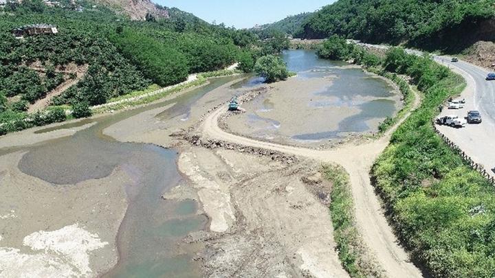 Sera Gölü'nü çamur ve balçıktan temizlemek için bu kez farklı bir yöntem uygulanıyor
