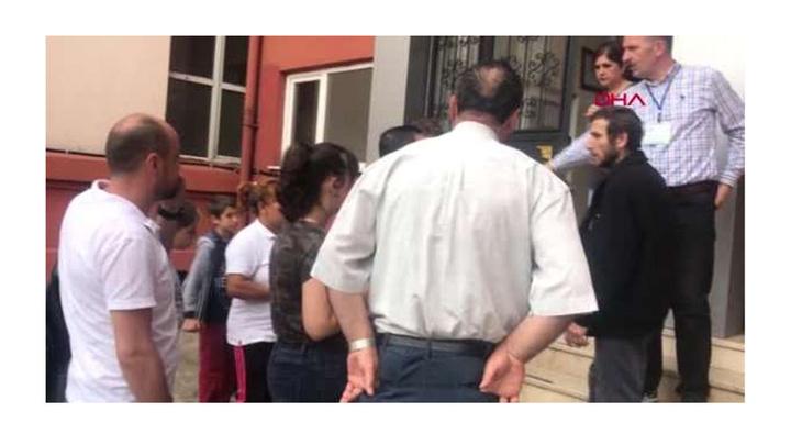 Zonguldak'ta kimliğini evde unutan öğrenci için veliler seferber oldu