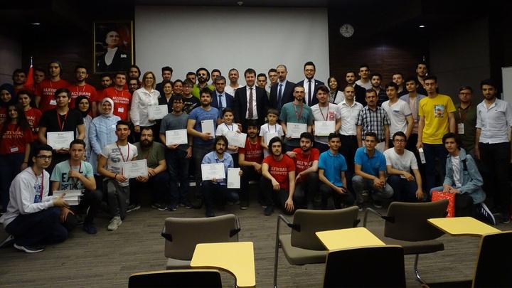 Robot Teknolojileri ve Enformatik Bilimler Yarışması'nda genç mucitlerin projeleri yarıştı