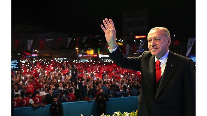 Cumhurbaşkanı Recep Tayyip Erdoğan ve Binali Yıldırım Esenler'de Geleneksel Kadir Gecesi Programında konuştu
