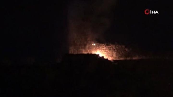 Diyarbakır'da tarihi surlarda yangın