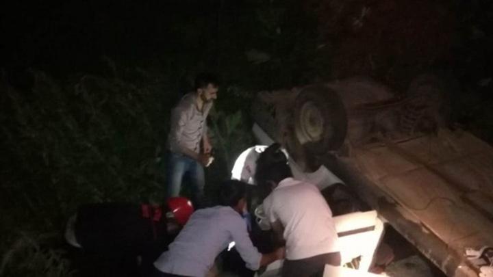 Malatya'da otomobil şarampole yuvarlandığı kazada  1 ölü, 3 yaralı