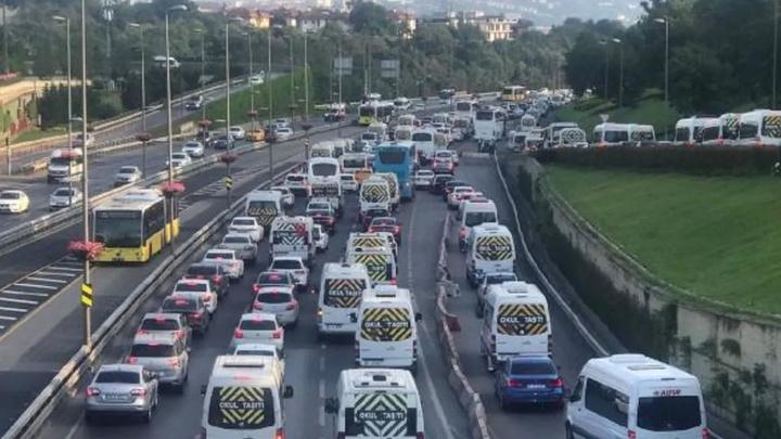 Bayram dönüşü 15 Temmuz Şehitler Köprüsü'nde trafik yoğunluğu