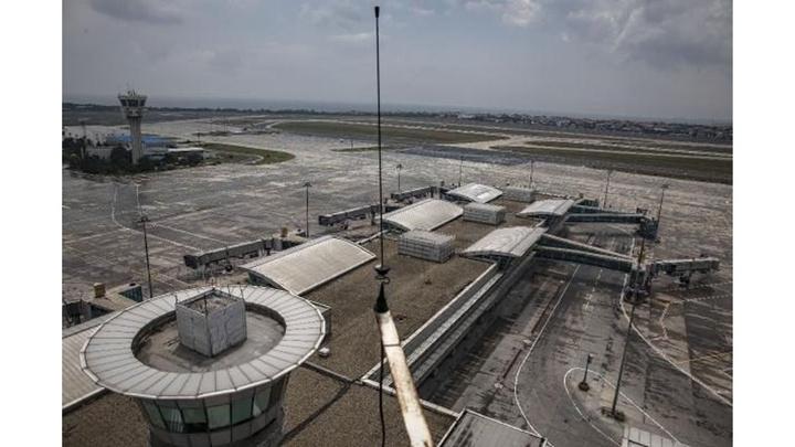 Atatürk Havalimanı'ndaki hacizli, hurda uçak sahiplerine tebligat